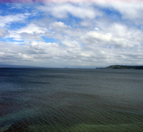 1280px-Lake_Taupo_1