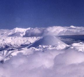 Central_North_Island_volcanoes,_New_Zealand_-_Flickr_-_PhillipC
